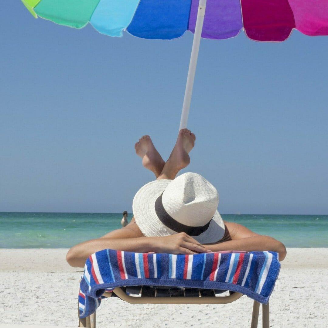 3 consigli per pianificare il tuo futuro e realizzare i tuoi desideri da sotto l'ombrellone